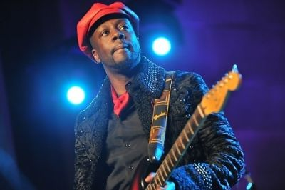 wyclef-jean-performing-at-uscri-100th-anniversary-gala-october-19-2011