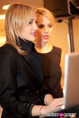 Mia Moretti, Caitlin Moe