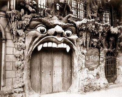 The Haunted Clubs Of 1890s Paris