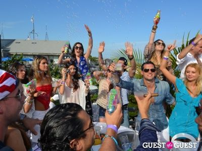 Your Guide To Day Drinking In The Hamptons This Summer