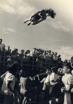 Summer Beach Scenes: 20 Vintage Photos We Love