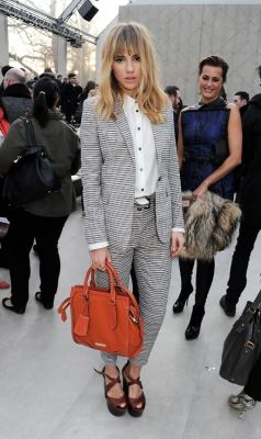 Daily Style Phile: Suki Waterhouse, Burberry's Latest
