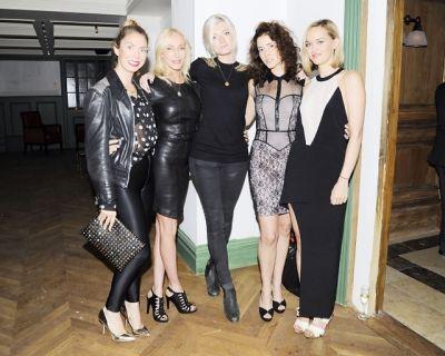 Jackie Astier, Sophie Sumner, Gisela Chipe, Jess Weixler