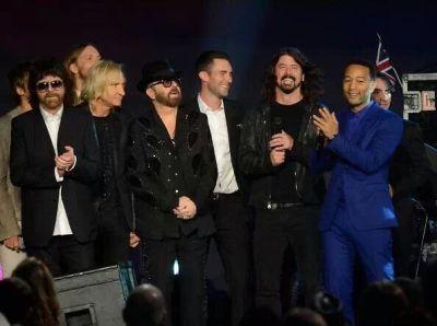 Jeff Lynne, Joe Walsh, Dave Stewart, Adam Levine, Dave Grohl, John Legend