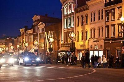malet_m_street_night_1