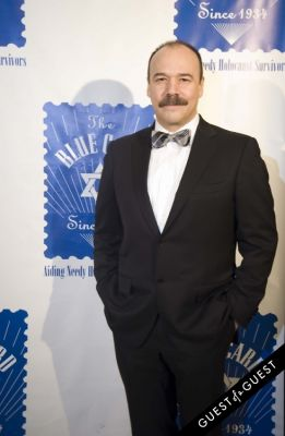 heidi klum in The Blue Card Annual Benefit Gala