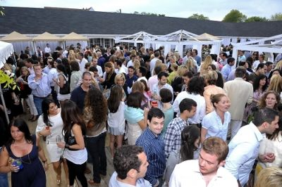 steve lewis in Day & Night Beach Club Hamptons Magazine Party