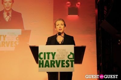 christina hendricks in City Harvest Bid Against Hunger 2010