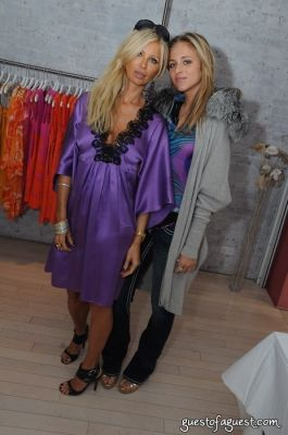 tia walker in Vanita Rosa Summer 2009 Trunk Show