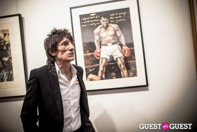 "ellie goulding in The Rolling Stones' Ronnie Wood art exhibition ""Faces, Time and Places"" at Symbolic Gallery"
