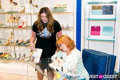 C. Wonder Hosts Caroline Manzo