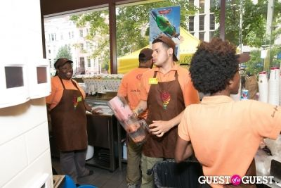 tayler lyttle in #FreeSmoothieDayDC with Jamba Juice