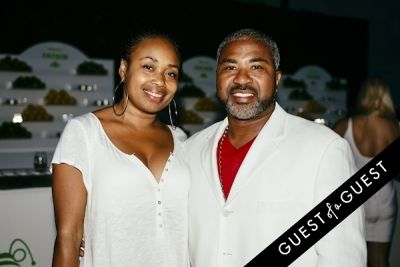shaonda mcdaniel in Walk With Sally's 8th Annual White Light White Night