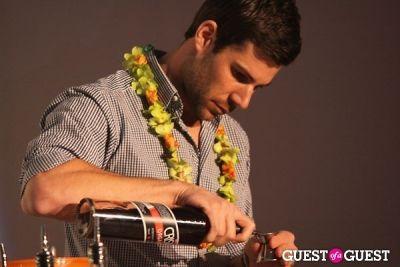 adrian biggs in Hawaii Mai Tai Mix-off @ Supper Club