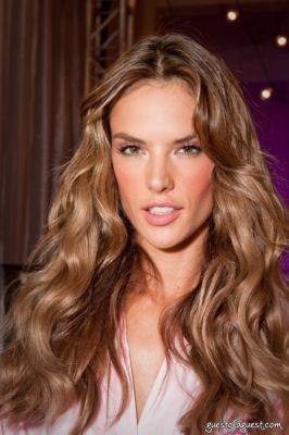 alessandra ambrosio in Victorias Secret Fashion Show