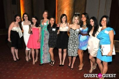 sara aiello in New York Junior League's 11th Annual Spring Auction