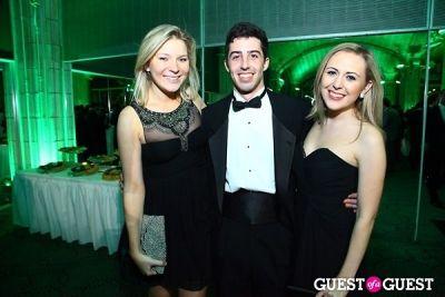 anna taylor in Hark Society Emerald Gala