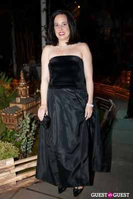 antonella farro in New York Botanical Garden Winter Wonderland Ball