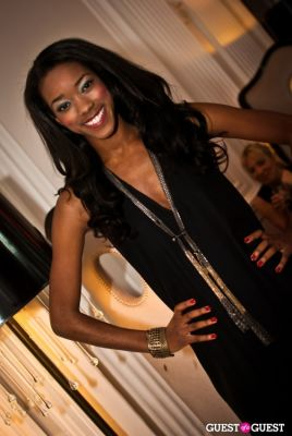 asia odum in The Styleliner At The W