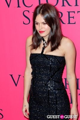 atlanta de-cadenet in 2013 Victoria's Secret Fashion Pink Carpet Arrivals