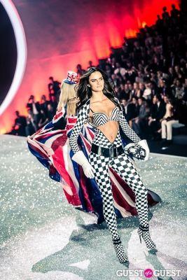 barbara fialho in Victoria's Secret Fashion Show 2013