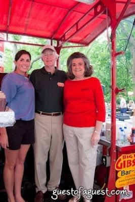 bob gibson-bar-b-q-family in Snapple Big Apple Barbecue Block Party