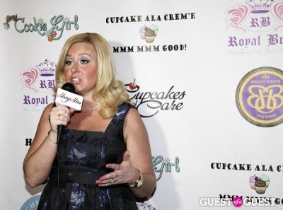 bridget obrien in Cupcakes That Care Red Carpet Family Event