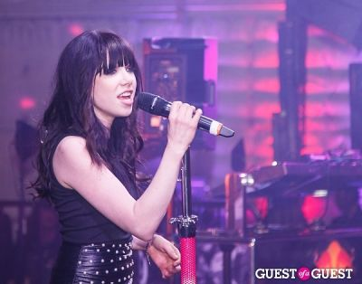 carly rae-jepsen in Friends 'N' Family Pre-Grammy Party