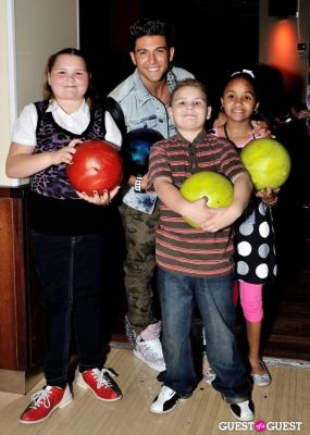 frankie zulferino in Miss New York City hosts Children's Miracle Network fundraiser