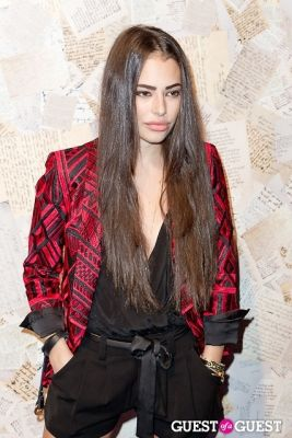 chloe bridges in Alice and Olivia Presentation