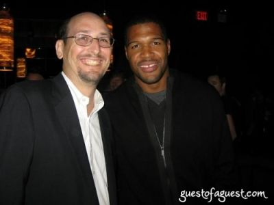 michael strahan in Grass Root Soccer