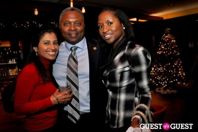 theo bell in Sip with Socialites November Happy Hour