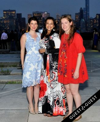 courtney toumey in Metropolitan Museum of Art Young Members Party 2015 event