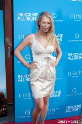 "cynthia kirschner in ""The Kids Are All Right"" Premiere Screening"
