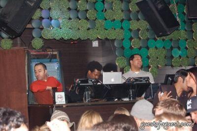 dj reach in Dj Reach Spins at Greenhouse Tuesdays