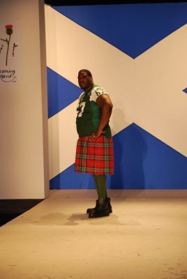 damien woody in Dressed To Kilt