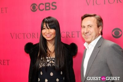 daniel boulud in 2010 Victoria's Secret Fashion Show Pink Carpet Arrivals