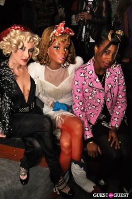 sanitgold in Jeremy Scott after party 2010