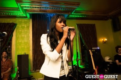 diamond white in World Refugee Day Concert