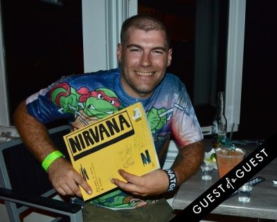 doug dimon in Vanilla Ice Hosts A '90s Party With National Geographic At The Sloppy Tuna