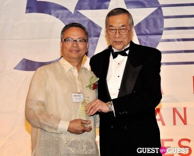 edwin reyes in 2012 Outstanding 50 Asian Americans in Business Award Dinner