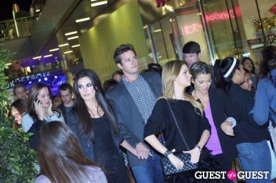 elizabeth chambers in Kenneth Cole Santa Monica Opening With Live Performance By Taio Cruz