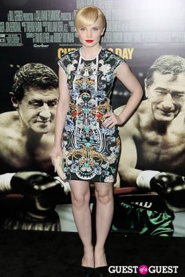 elizabeth olin in Grudge Match World Premiere
