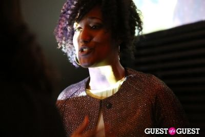elle winston in Pop-Up Art Event Art Auction Benefiting Mere Mist International
