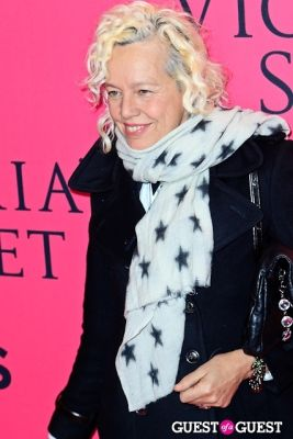 ellen von-unwert in 2013 Victoria's Secret Fashion Pink Carpet Arrivals