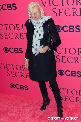 ellen von-unwerth in 2013 Victoria's Secret Fashion Pink Carpet Arrivals