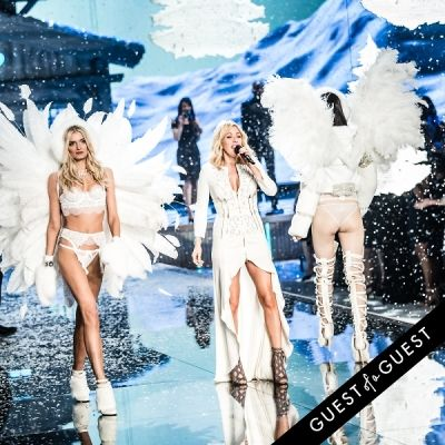 ellie goulding in Victoria's Secret Fashion Show 2015