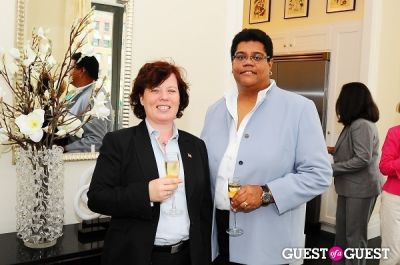 leslie anderson in Greystone Development 180th East 93rd Street Host The Party For The American Cancer Society