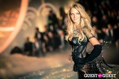 erin heatherton in Victoria's Secret Fashion Show 2013