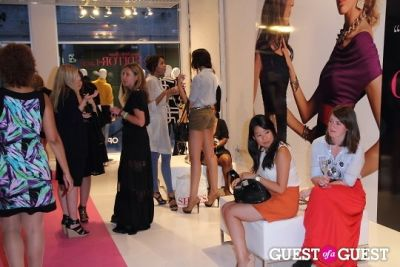 evelyn chang in I.N.C Fall 2011 Launch Party